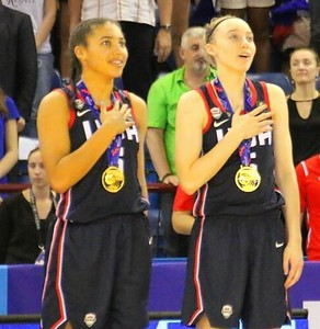 fudd-already-fast-friends-with-future-uconn-womens-basketball-teammate-bueckers