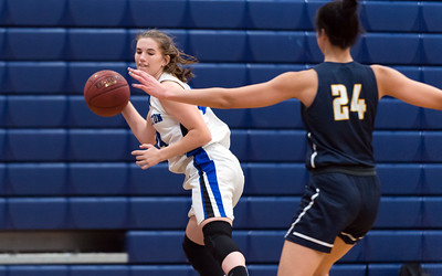 southington-girls-basketball-trying-to-end-tough-season-on-positive-note