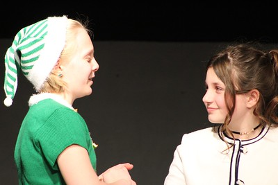 a-modern-twist-on-a-classic-holiday-tale-at-childrens-theatre