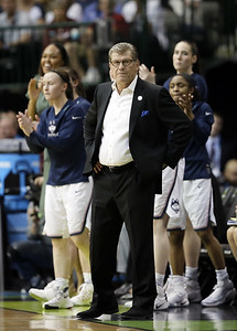 uconn-womens-basketball-loses-to-slovenias-celje-in-final-exhibition-game