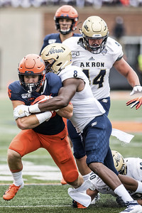 illinois-down-one-running-back-heading-into-game-against-uconn-football
