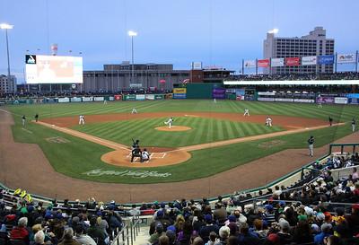 hartford-still-losing-money-on-popular-baseball-park