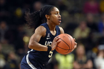 dangerfield-joins-rare-group-for-uconn-womens-basketball-during-win-over-notre-dame