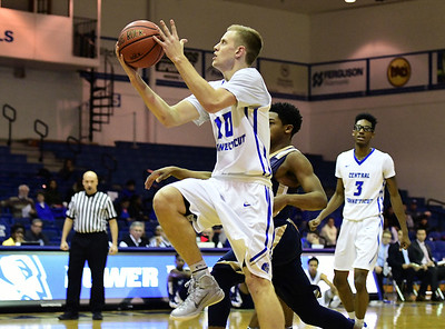 nehls-helps-ccsu-mens-basketball-hold-off-cleveland-state-to-win-third-straight