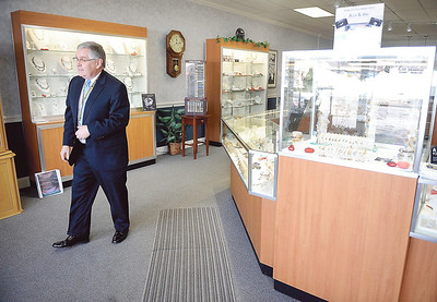 shannons-jewelers-has-all-the-gifts-for-the-holidays