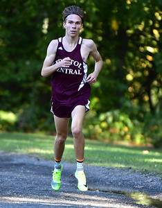 roundup-bristol-central-boys-cross-country-places-sixth-in-championship-race-at-wickham-invitational