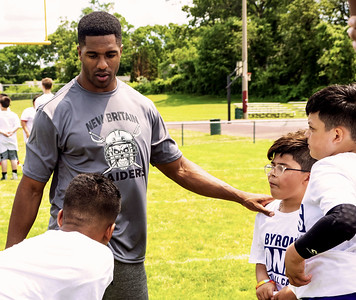 dallas-cowboys-pro-bowl-cornerback-st-paul-alum-jones-gives-back-to-community-with-youth-football-camp