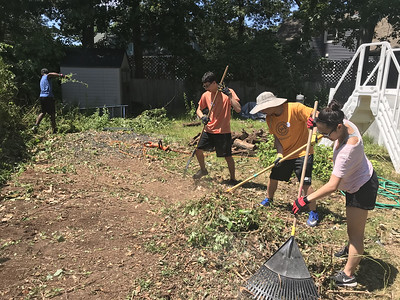 volunteers-from-the-united-methodist-army-help-out-in-bristol-plainville-and-southington
