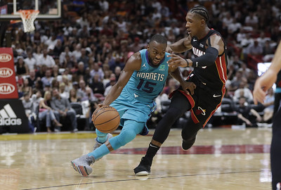 former-uconn-mens-basketball-star-walker-off-to-strong-start-for-hornets