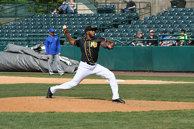 fuller-rosario-give-new-britain-bees-reliable-arms-in-back-end-of-bullpen