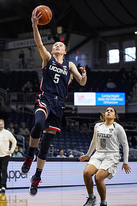 uconn-womens-basketballs-bueckers-named-big-east-player-of-year