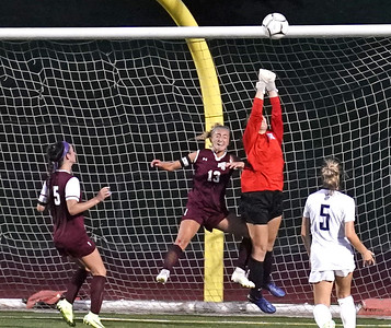 bc-girls-open-season-on-the-right-foot-shut-out-middletown