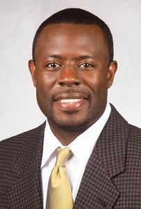 former-nebraska-mens-basketball-assistant-hunter-joins-hurleys-staff-at-uconn