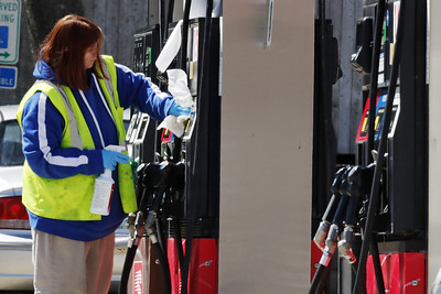 gas-prices-remain-level-in-state-region-gas-prices-much-lower-in-newington-area
