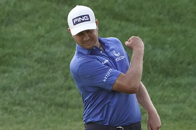 harris-outlasts-hickok-in-sudden-death-wins-travelers-championship