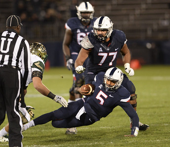 uconn-football-cant-contain-flowers-in-loss-to-south-florida