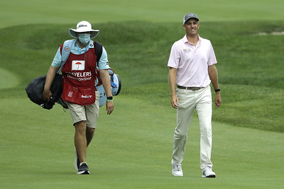 todd-matches-johnsons-61-to-take-the-lead-after-third-round-of-travelers-championship