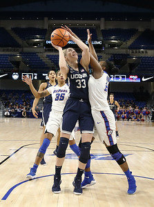 uconn-womens-basketball-routs-depaul-as-auriemma-gets-999th-career-win