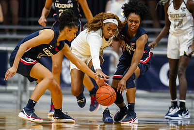 uconn-womens-basketball-remains-no-1-in-latest-ap-top-25-poll