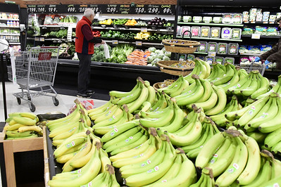 area-supermarkets-following-new-guidelines-set-by-lamont-to-protect-customers-workers