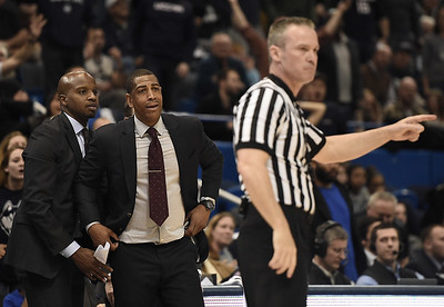 whistles-in-uconn-mens-basketballs-final-defeat-were-not-a-hoot