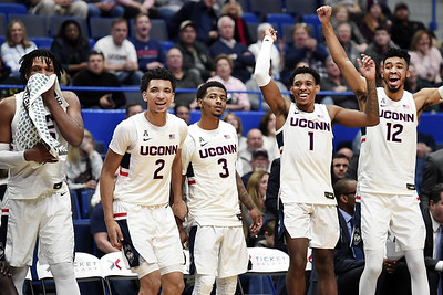 vital-leads-uconn-mens-basketball-to-rout-of-njit