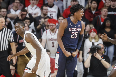 sophomore-center-carlton-showing-progress-with-uconn-mens-basketball