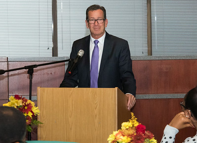 malloy-honored-by-cmha-for-help-with-new-building