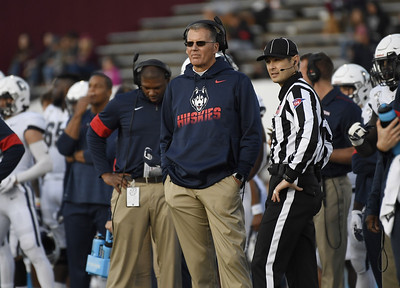 uconn-football-expecting-a-big-jump-despite-skipping-2020-season