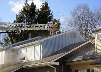 firefighters-quickly-douse-smoky-blaze-at-4-pebble-court