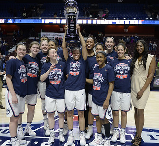 aac-agrees-to-keep-womens-basketball-tourney-in-connecticut