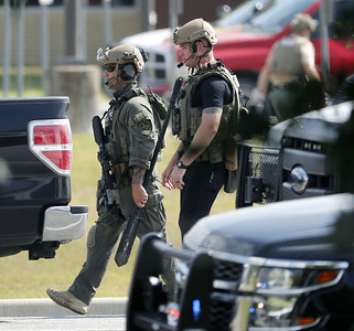 gunman-opens-fire-in-texas-high-school-killing-up-to-10