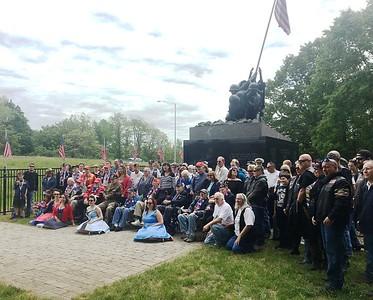 wwii-veterans-supporters-visit-iwo-jima-memorial