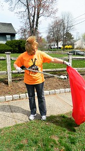 keeney-workers-pick-up-litter-for-earth-day
