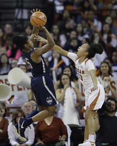 clutch-dangerfields-two-free-throws-with-83-seconds-left-keeps-uconn-womens-basketball-undefeated