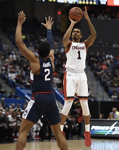uconn-mens-basketball-falls-to-cincinnati-in-aac-semifinals