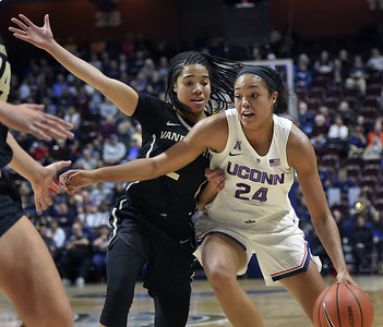 colliers-doubledouble-helps-no-2-uconn-womens-basketball-rout-vanderbilt