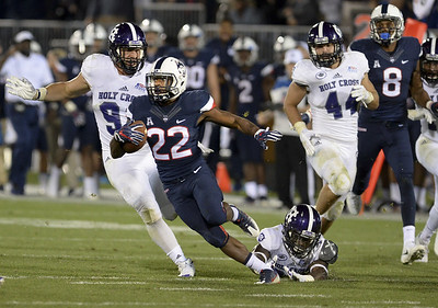 uconn-football-loses-key-offensive-weapon-in-newsome-for-34-weeks-due-to-injury