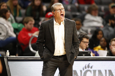 uconn-womens-basketball-to-join-hall-of-fame-tournament-next-season