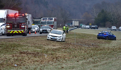 car-accident-on-i691-in-southington-sends-one-to-hospital
