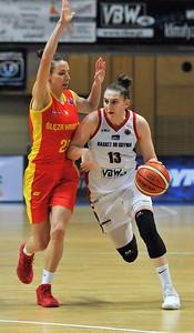 polish-recruit-makurat-commits-to-uconn-womens-basketball