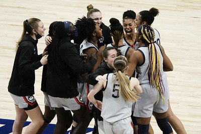 uconn-reaches-13th-straight-final-four-beating-baylor