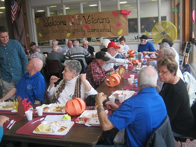 bristol-bits-central-holds-annual-thanksgiving-meal-for-vets