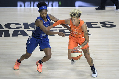 former-uconn-womens-basketball-star-dangerfield-wins-rookie-of-the-year