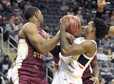 uconn-mens-basketball-has-to-find-ways-to-win-big-games