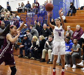 gonzalez-st-paul-girls-basketball-halt-naugatuck-comeback-attempt-in-sixth-win