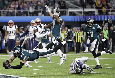 foles-eagles-outshoot-patriots-hold-off-brady-for-first-super-bowl-victory