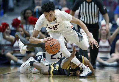 uconn-mens-basketball-battles-but-comes-up-short-in-double-ot-against-wichita-state