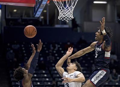 whaley-martin-among-those-who-pass-gut-check-for-uconn-mens-basketball