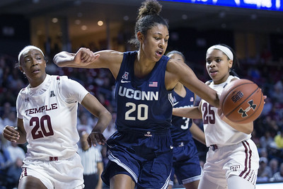 nelsonododa-helps-uconn-womens-basketball-rout-temple-with-more-solid-team-effort-than-previous-games